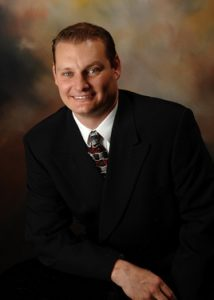 Picture-of-Chandler-AZ-Chiropractor-Dr.-Greg-Hauser-of-collision-injury-chiropractic-